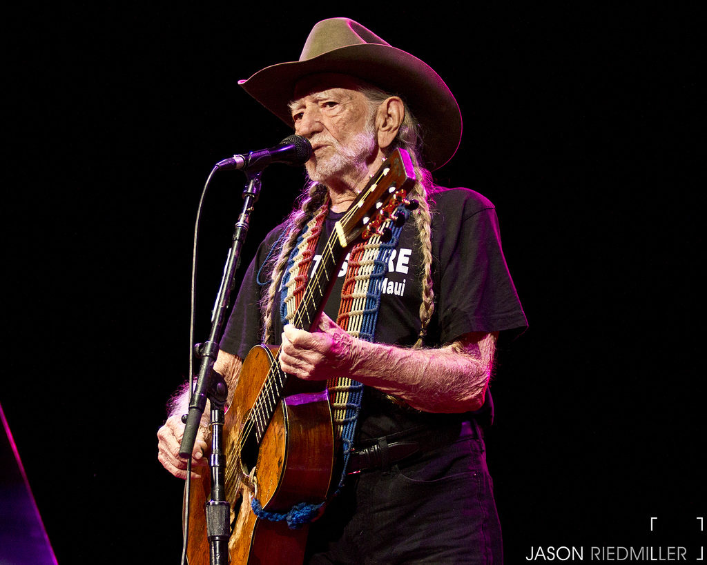 Willie Nelson - Whiskey River / Under The Double Eagle